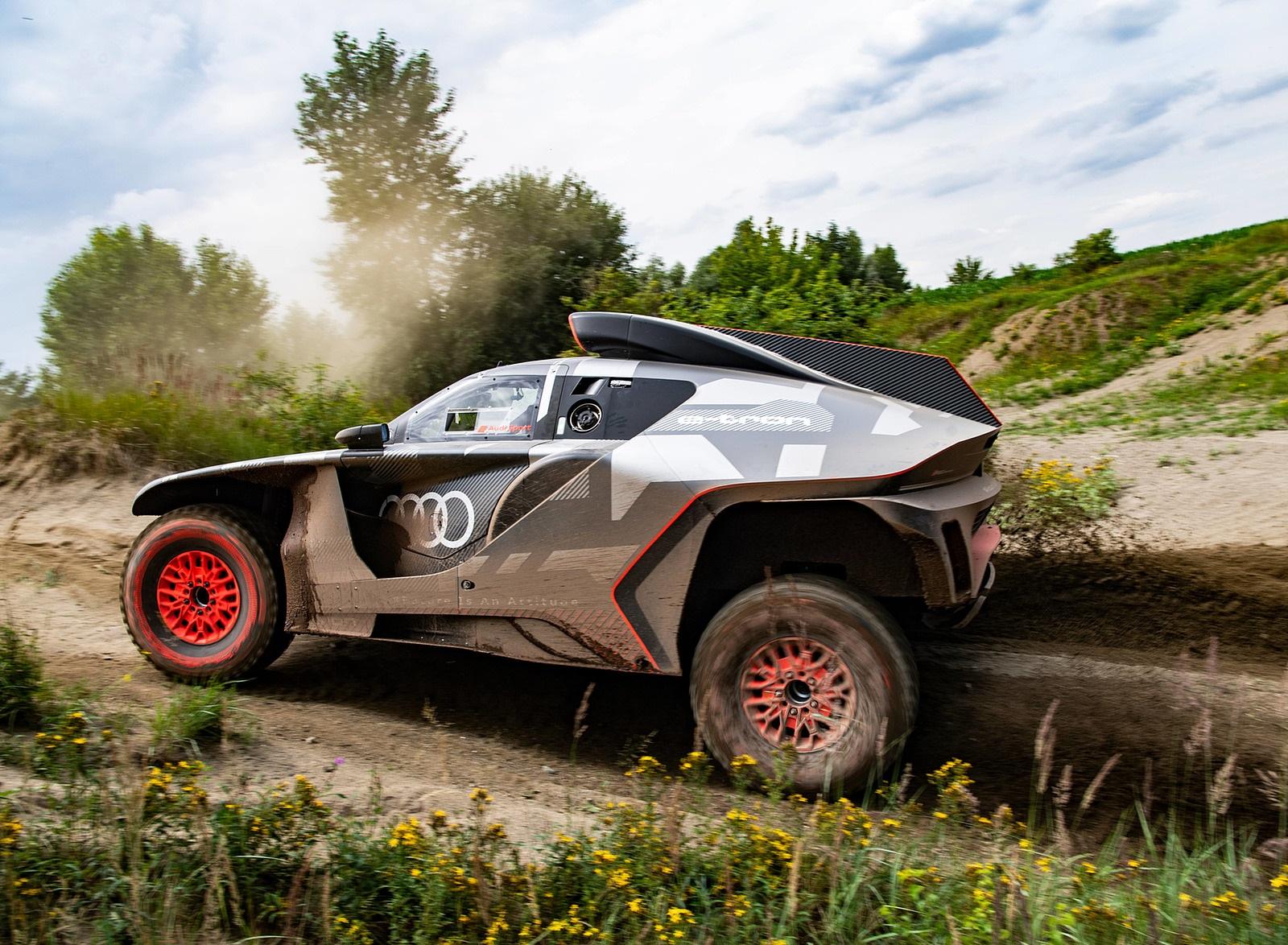 2022 Audi RS Q e-tron Dakar Rally Testing Wallpapers (8)