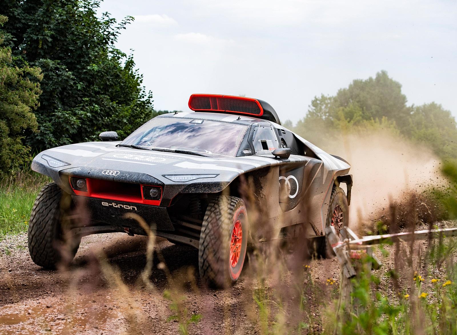 2022 Audi RS Q e-tron Dakar Rally Testing Wallpapers (5)