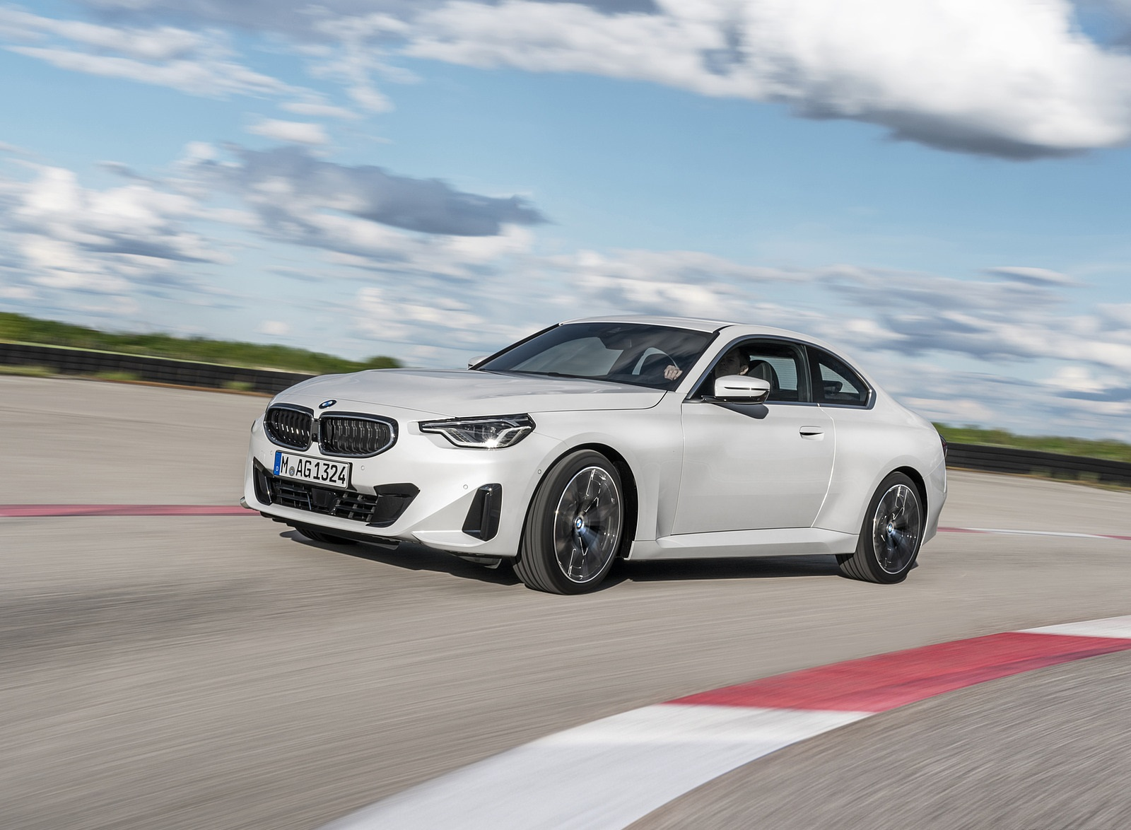 2022 BMW 2 Series Coupe Front Three-Quarter Wallpapers (5)