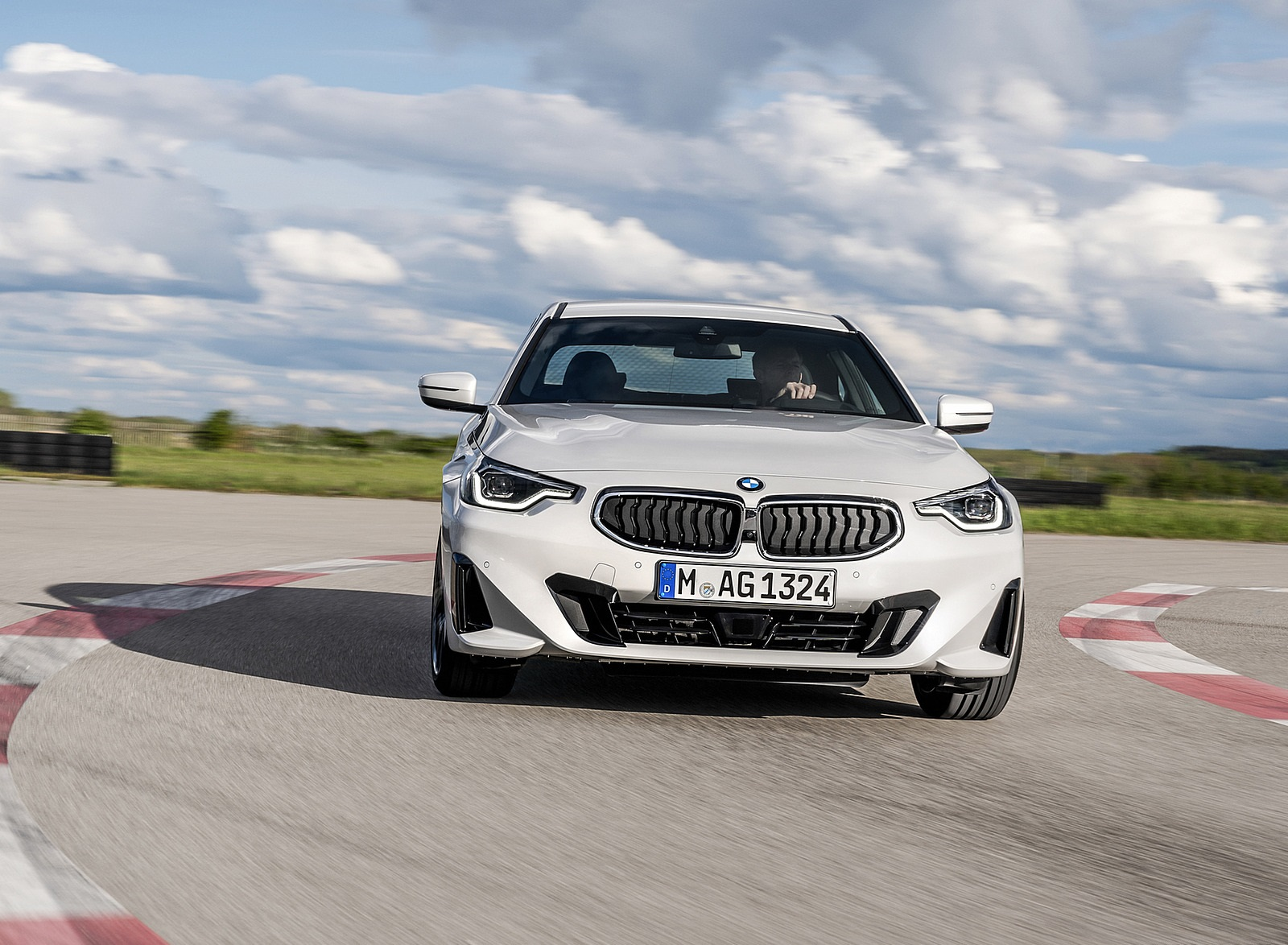 2022 BMW 2 Series Coupe Front Wallpapers (10)
