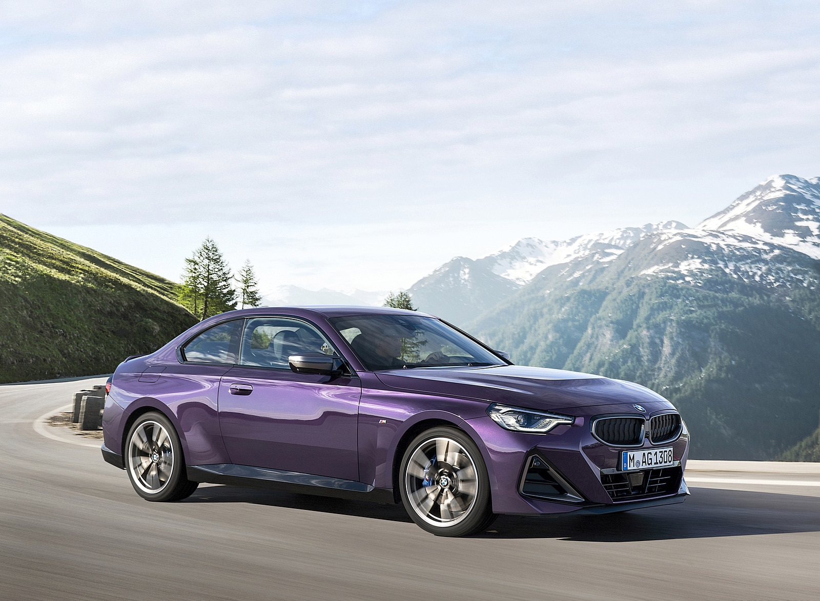 2022 BMW M240i xDrive Coupe Front Three-Quarter Wallpapers (2)