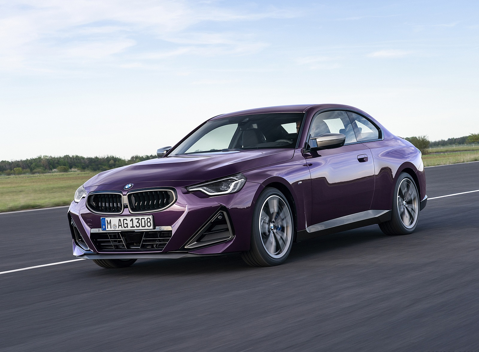 2022 BMW M240i xDrive Coupe Front Three-Quarter Wallpapers (4)
