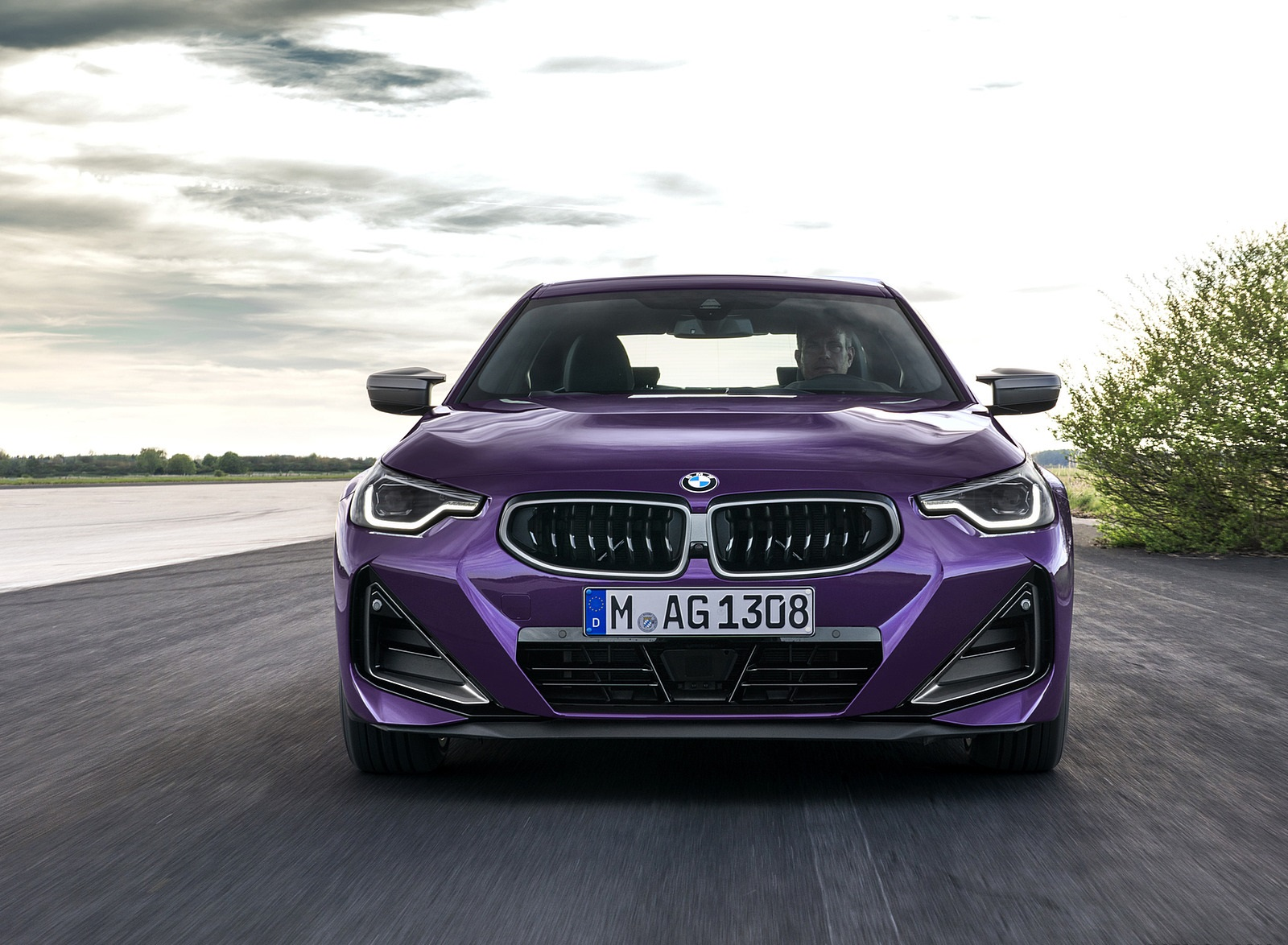 2022 BMW M240i xDrive Coupe Front Wallpapers (8)