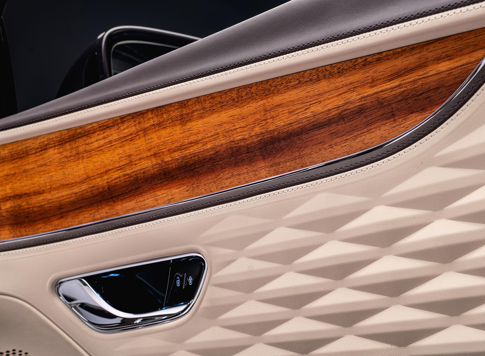 2022 Bentley Flying Spur Hybrid Odyssean Edition Interior Detail Wallpapers (8)