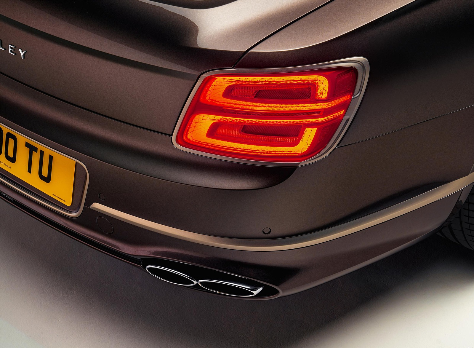2022 Bentley Flying Spur Hybrid Odyssean Edition Tail Light Wallpapers (5)