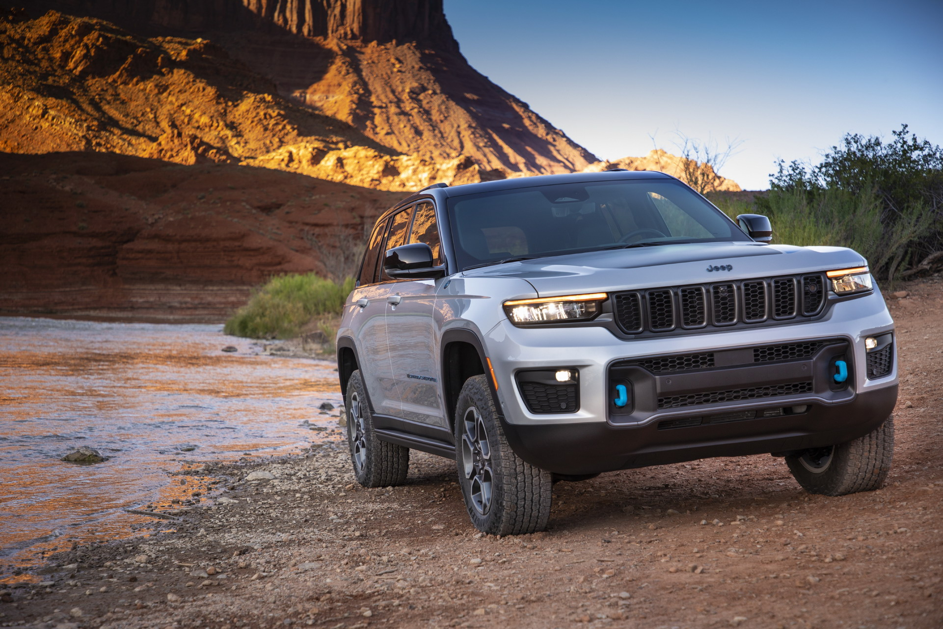 2022 Jeep Grand Cherokee Trailhawk 4xe Front Wallpapers (10)