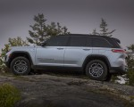 2022 Jeep Grand Cherokee Trailhawk 4xe Side Wallpapers 150x120 (28)