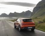 2022 Porsche Macan S (Color: Papaya Metallic) Rear Three-Quarter Wallpapers 150x120 (27)