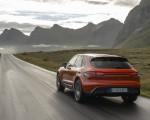 2022 Porsche Macan S (Color: Papaya Metallic) Rear Wallpapers 150x120 (35)