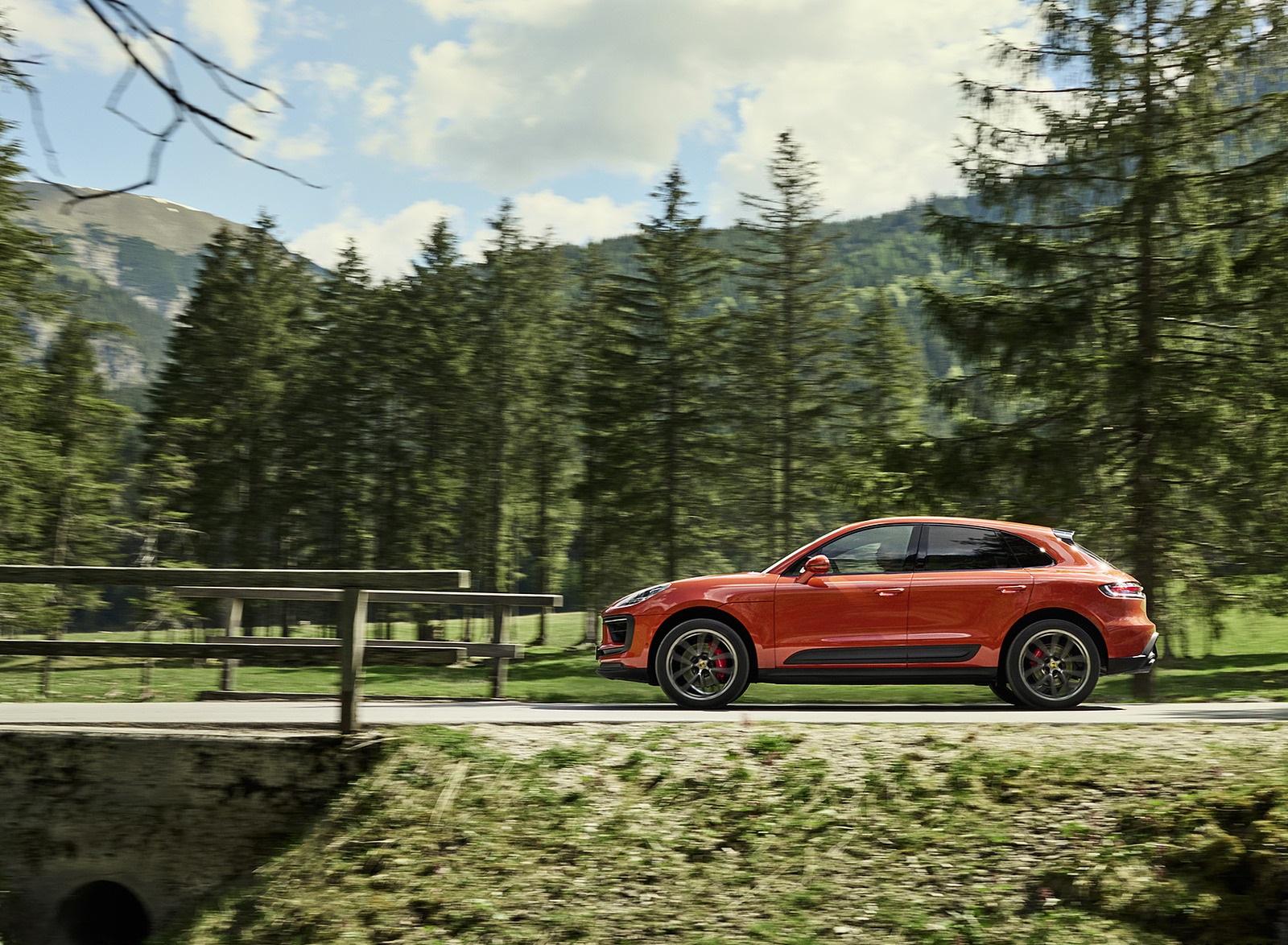2022 Porsche Macan S Side Wallpapers (6)