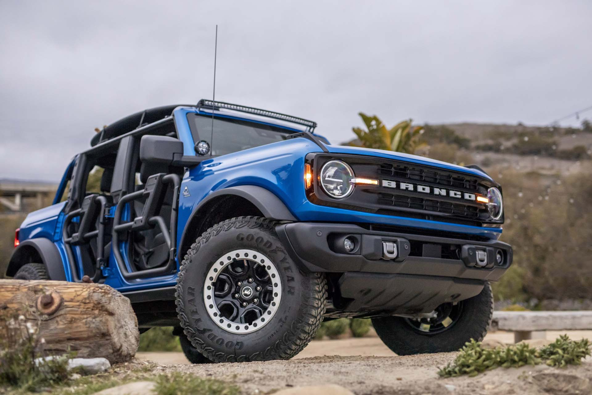 2021 Ford Bronco Riptide Concept Front Three-Quarter Wallpapers (2)