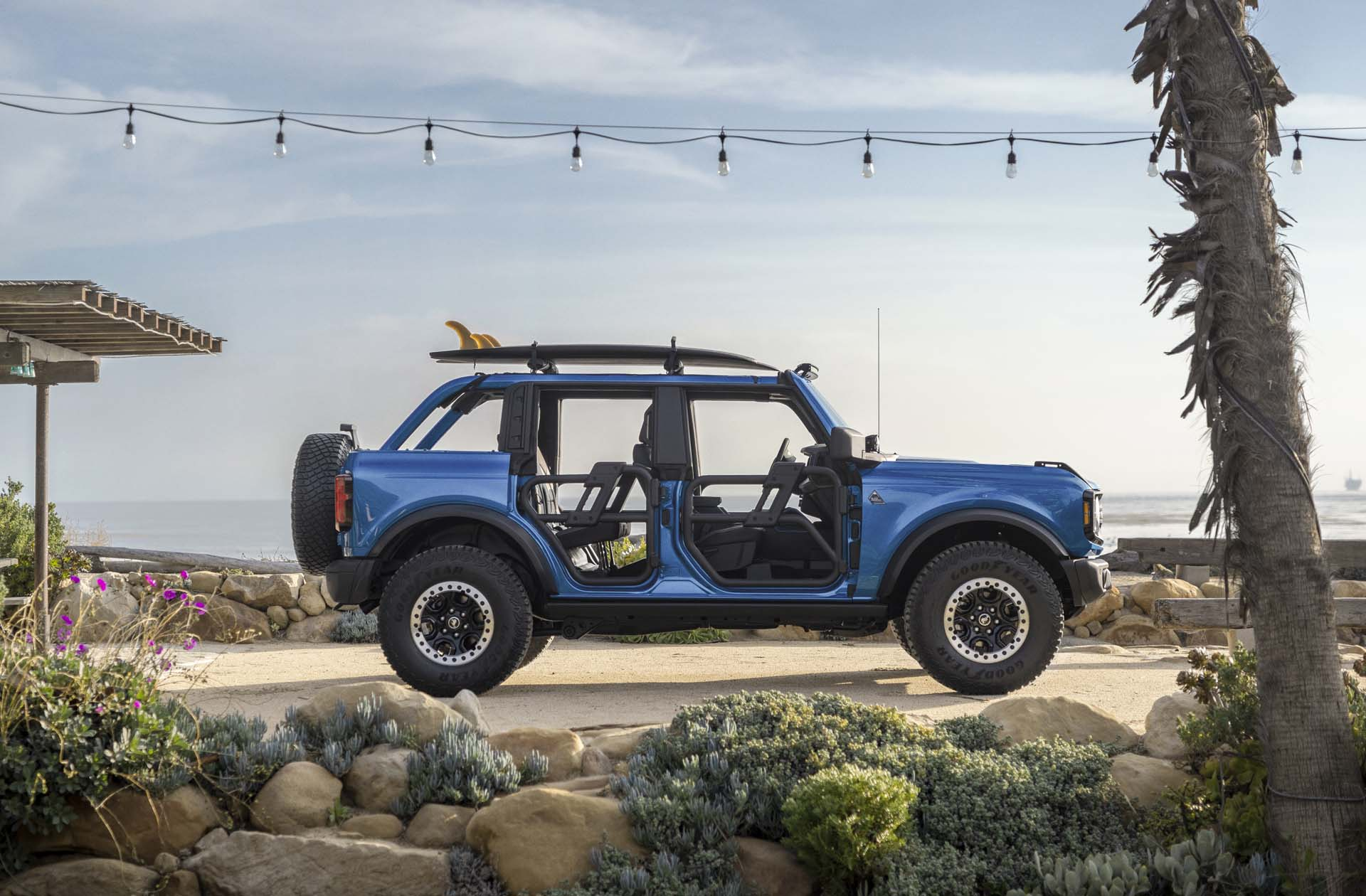 2021 Ford Bronco Riptide Concept Side Wallpapers (6)