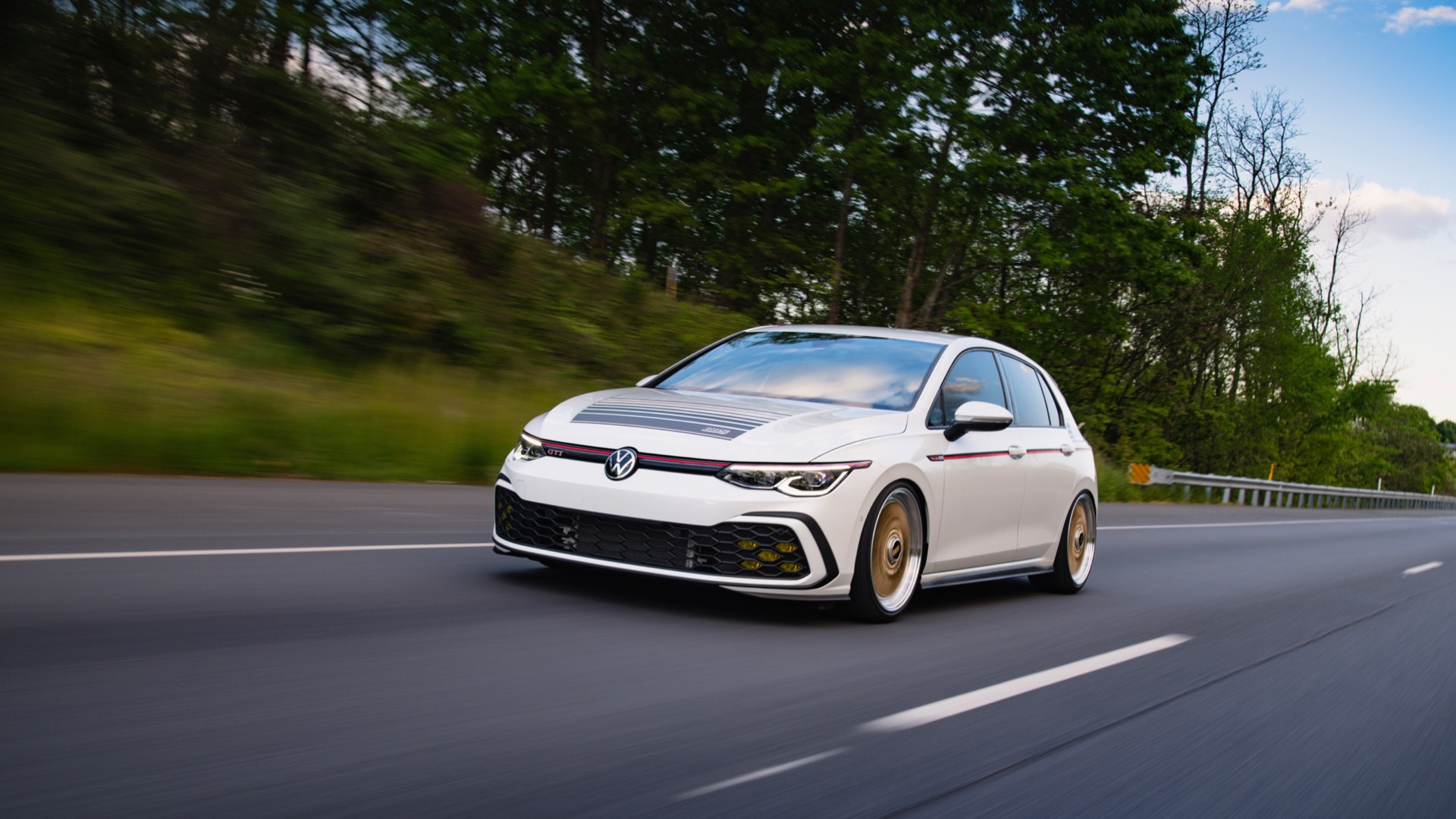 2021 Volkswagen GTI BBS concept Front Three-Quarter Wallpapers (2)