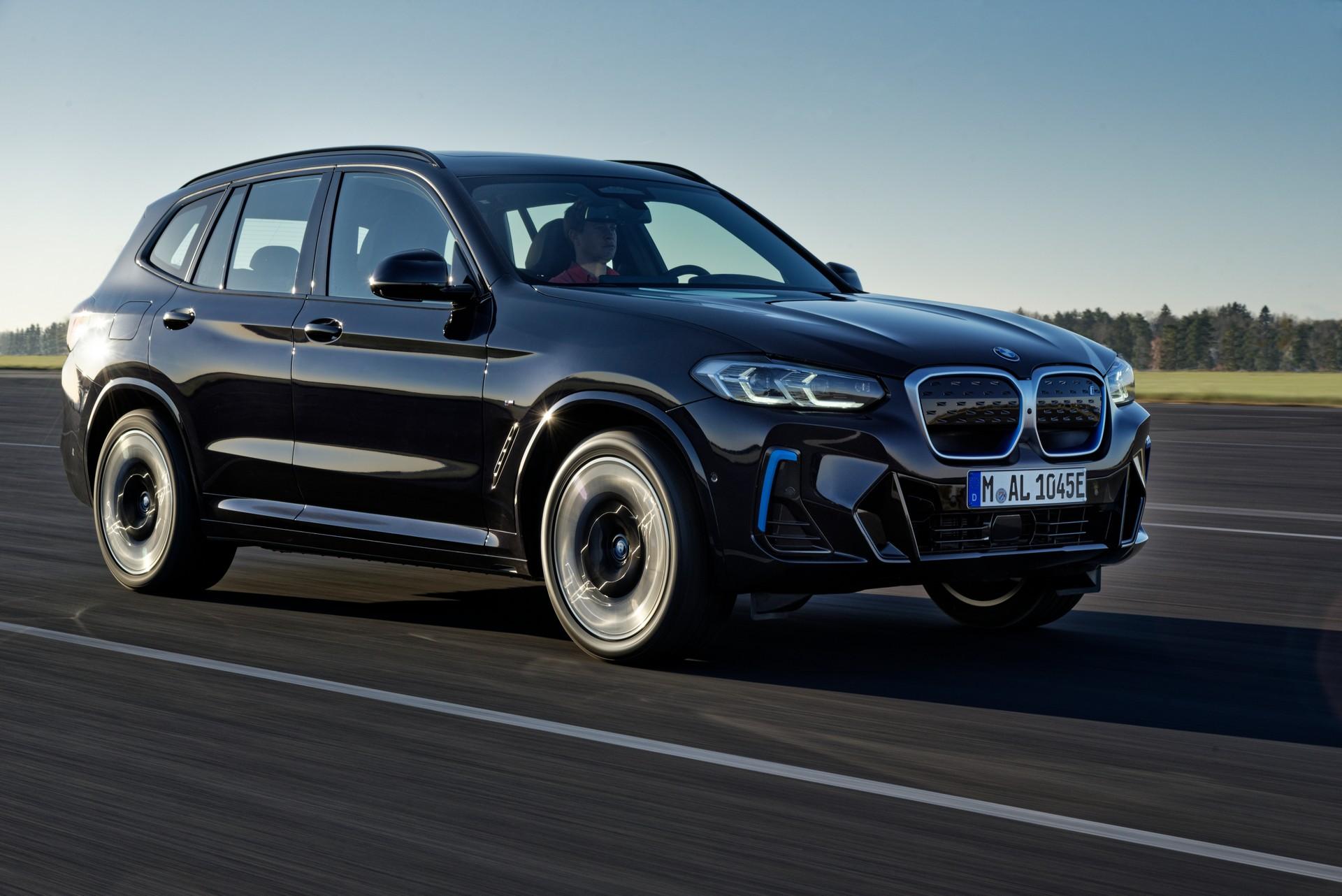 2022 BMW iX3 Front Three-Quarter Wallpapers (3)