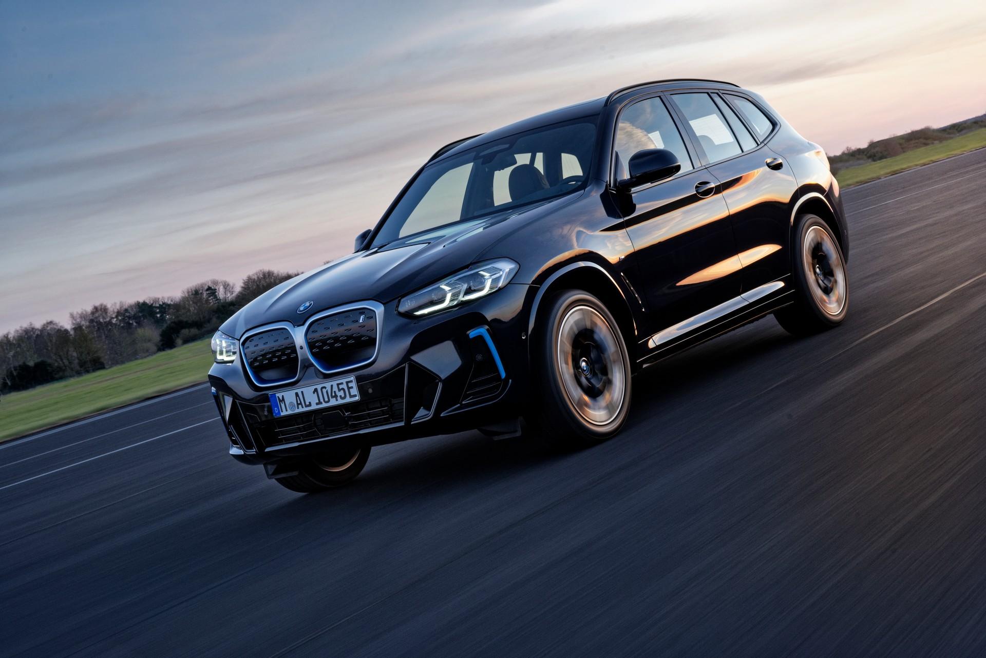 2022 BMW iX3 Front Three-Quarter Wallpapers (4)