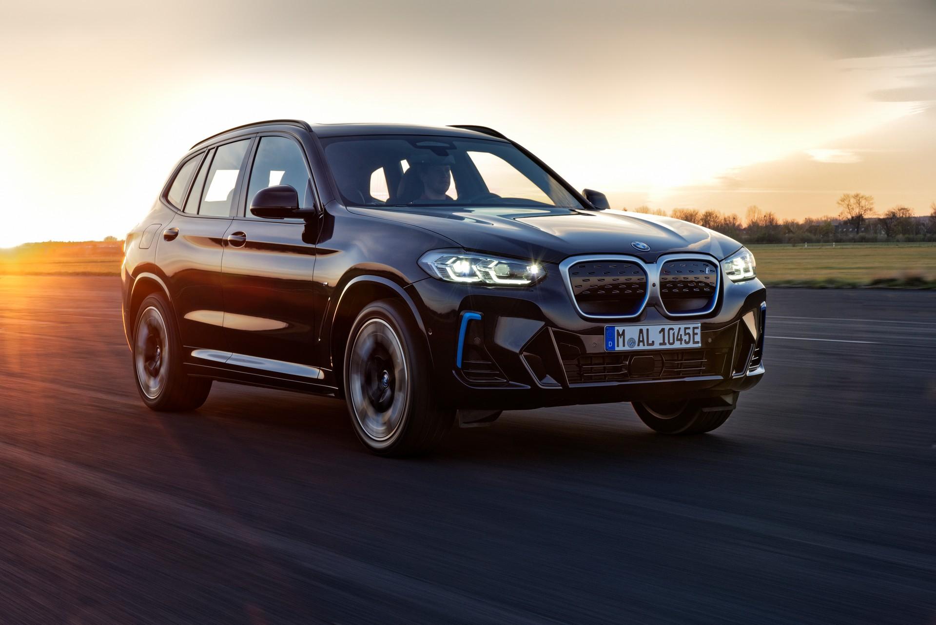 2022 BMW iX3 Front Three-Quarter Wallpapers (5)
