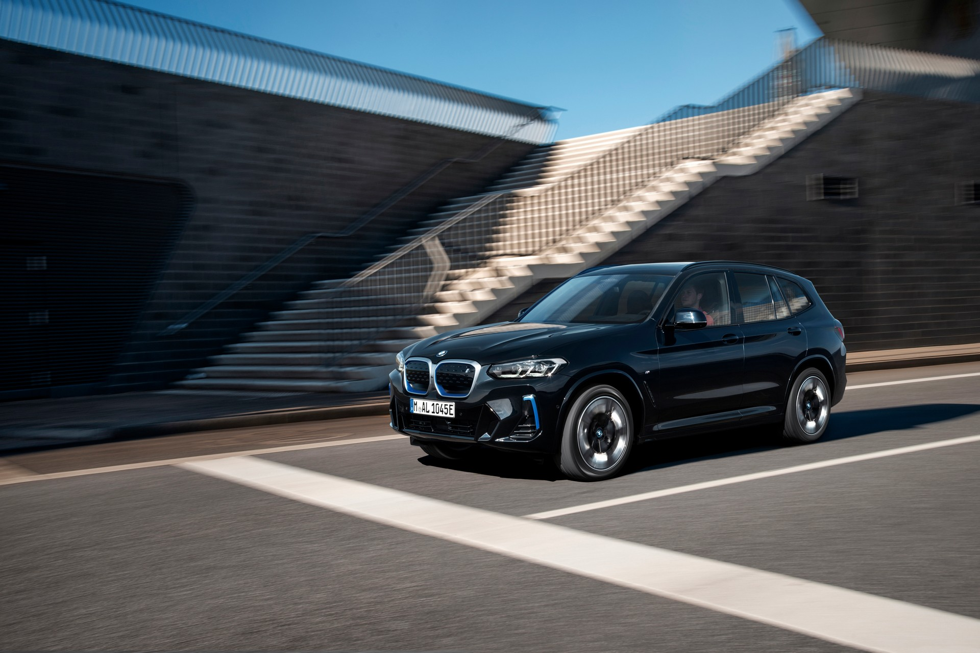 2022 BMW iX3 Front Three-Quarter Wallpapers (9)