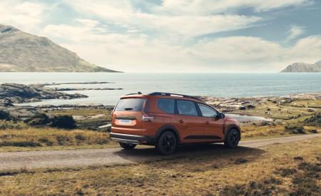 2022 Dacia Jogger Extreme Rear Three-Quarter Wallpapers 450x275 (3)