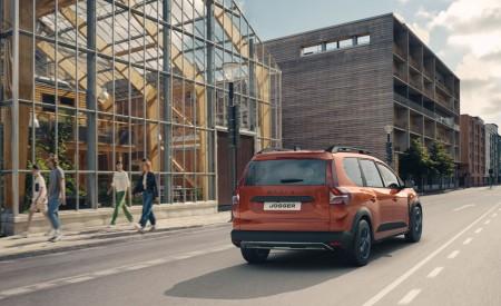 2022 Dacia Jogger Extreme Rear Three-Quarter Wallpapers 450x275 (9)