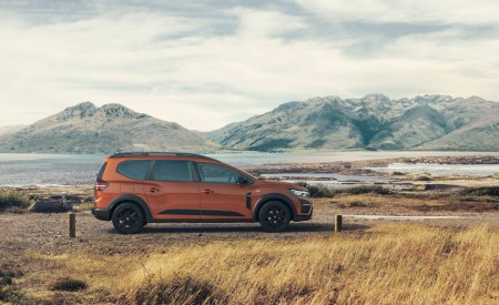 2022 Dacia Jogger Extreme Side Wallpapers 450x275 (5)