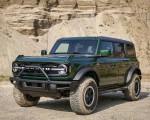 2022 Ford Bronco 4-Door (Color: Eruption Green) Front Three-Quarter Wallpapers 150x120 (4)