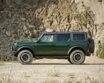 2022 Ford Bronco 4-Door (Color: Eruption Green) Side Wallpapers 150x120 (6)