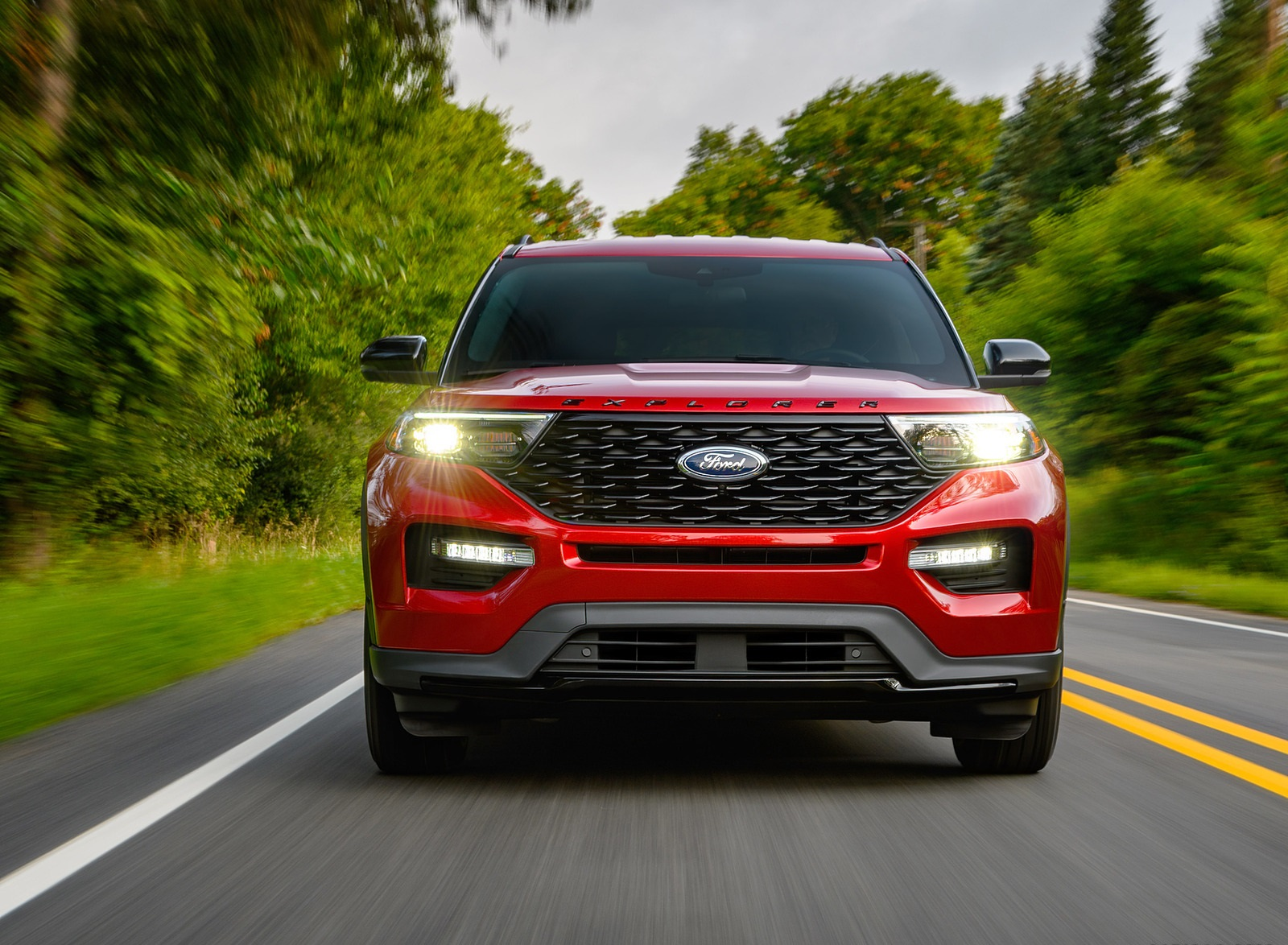 2022 Ford Explorer ST-Line Front Wallpapers (2)