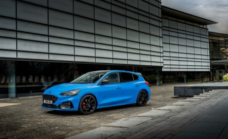2022 Ford Focus ST Edition Front Three-Quarter Wallpapers 450x275 (17)