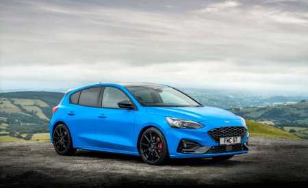 2022 Ford Focus ST Edition Front Three-Quarter Wallpapers 450x275 (18)