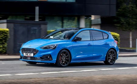2022 Ford Focus ST Edition Front Three-Quarter Wallpapers 450x275 (13)