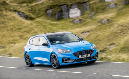 2022 Ford Focus ST Edition Front Three-Quarter Wallpapers 450x275 (3)