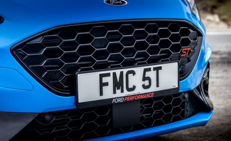 2022 Ford Focus ST Edition Grill Wallpapers 450x275 (26)