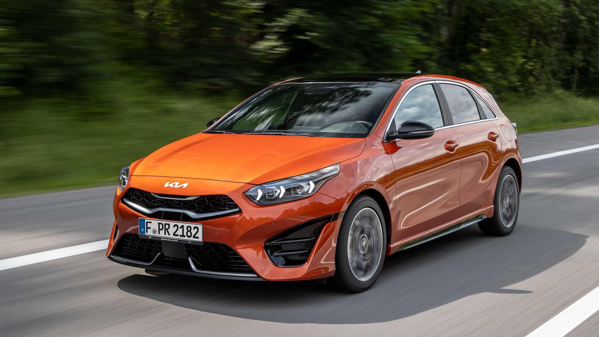 2022 Kia Ceed GT-Line Front Three-Quarter Wallpapers (1)