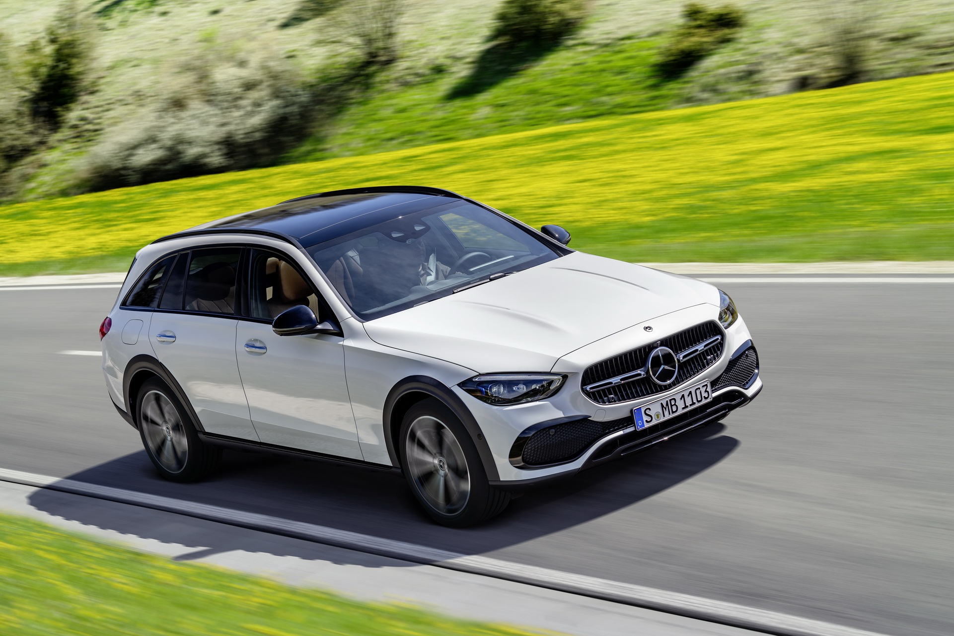 2022 Mercedes-Benz C-Class All-Terrain (Color: Opalite White Bright) Front Three-Quarter Wallpapers (1)