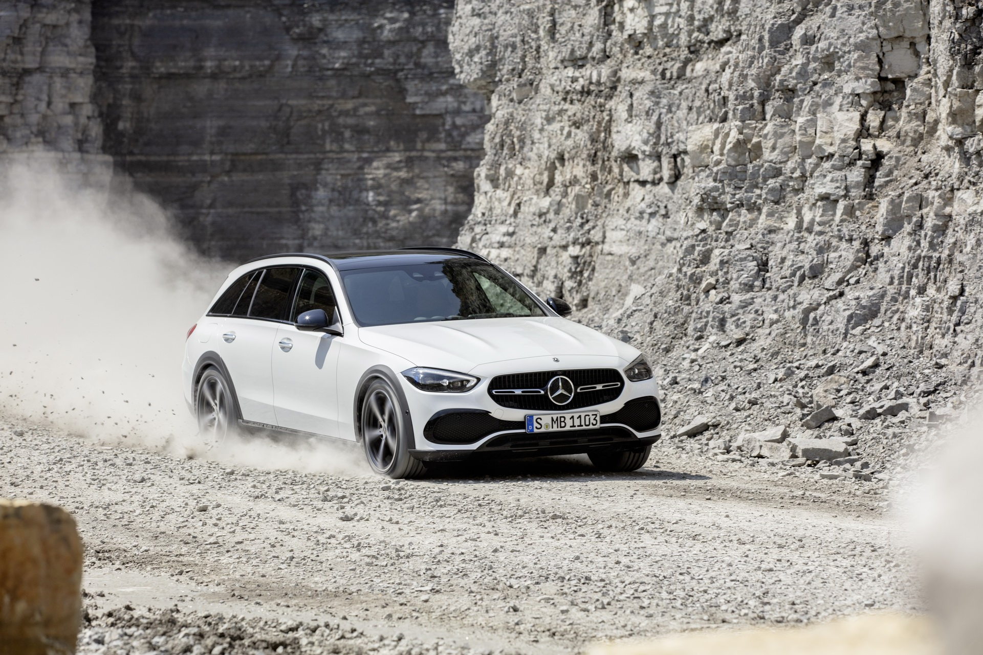 2022 Mercedes-Benz C-Class All-Terrain (Color: Opalite White Bright) Off-Road Wallpapers (7)