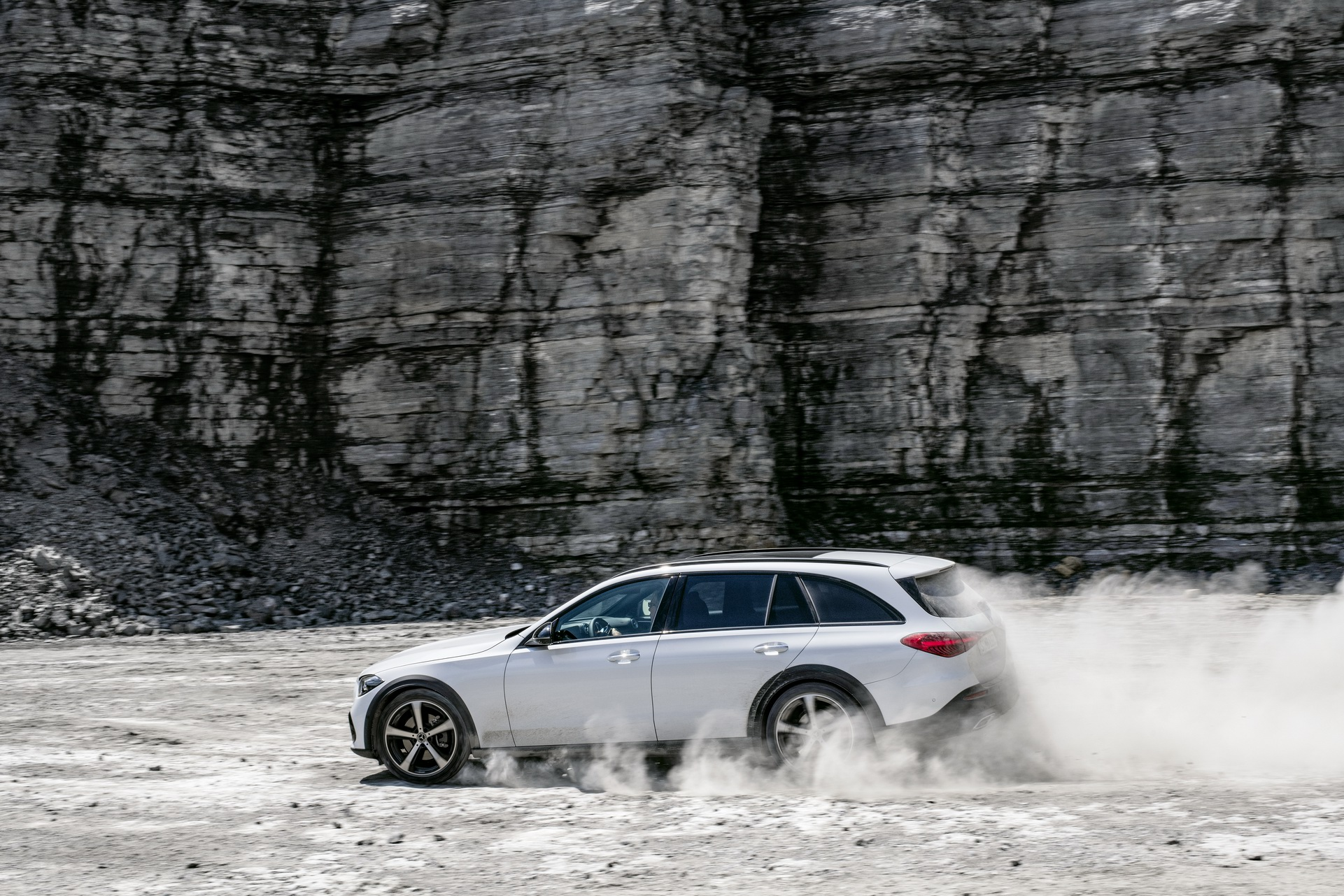 2022 Mercedes-Benz C-Class All-Terrain (Color: Opalite White Bright) Off-Road Wallpapers (9)
