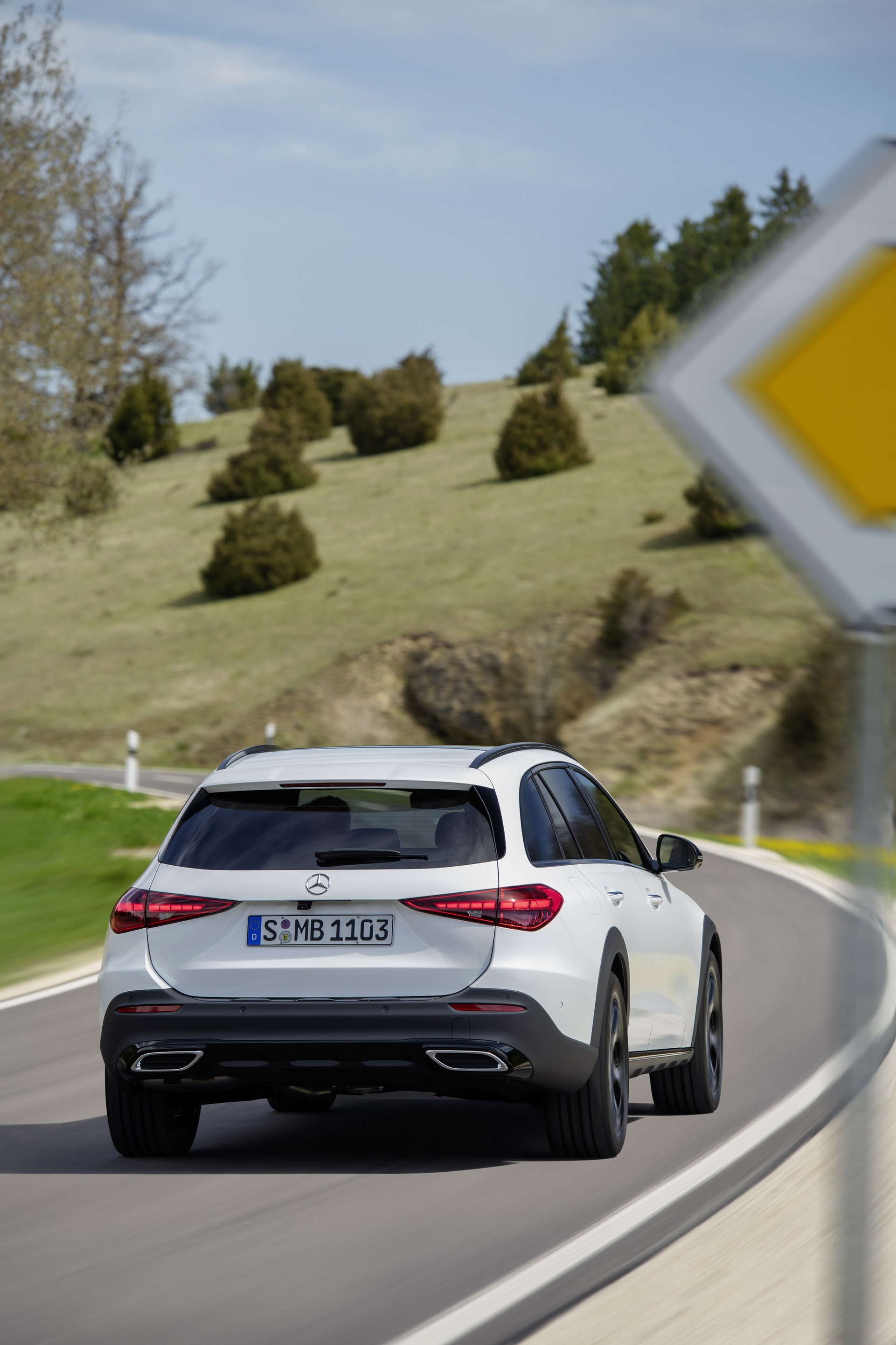 2022 Mercedes-Benz C-Class All-Terrain (Color: Opalite White Bright) Rear Wallpapers (4)