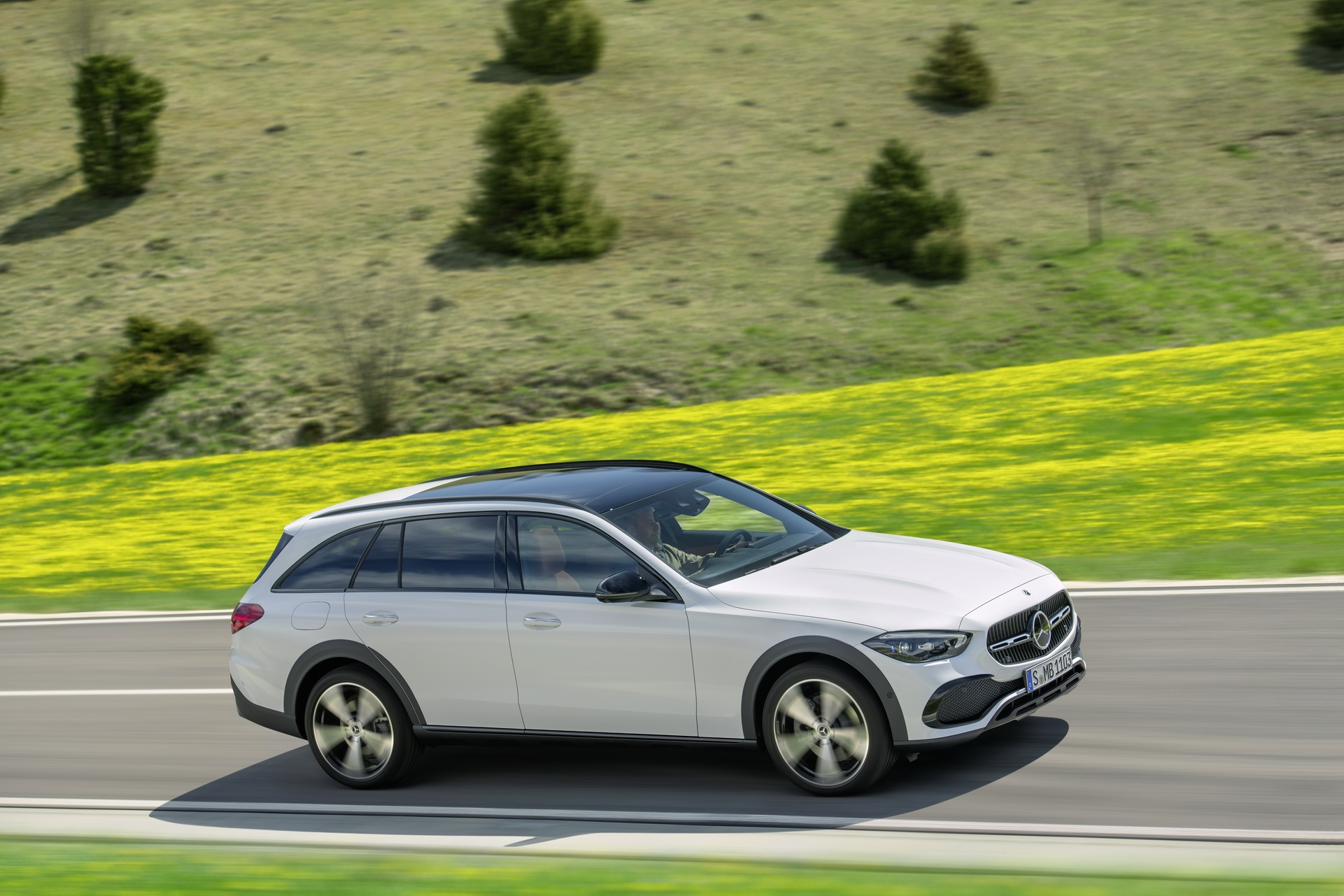 2022 Mercedes-Benz C-Class All-Terrain (Color: Opalite White Bright) Side Wallpapers (2)