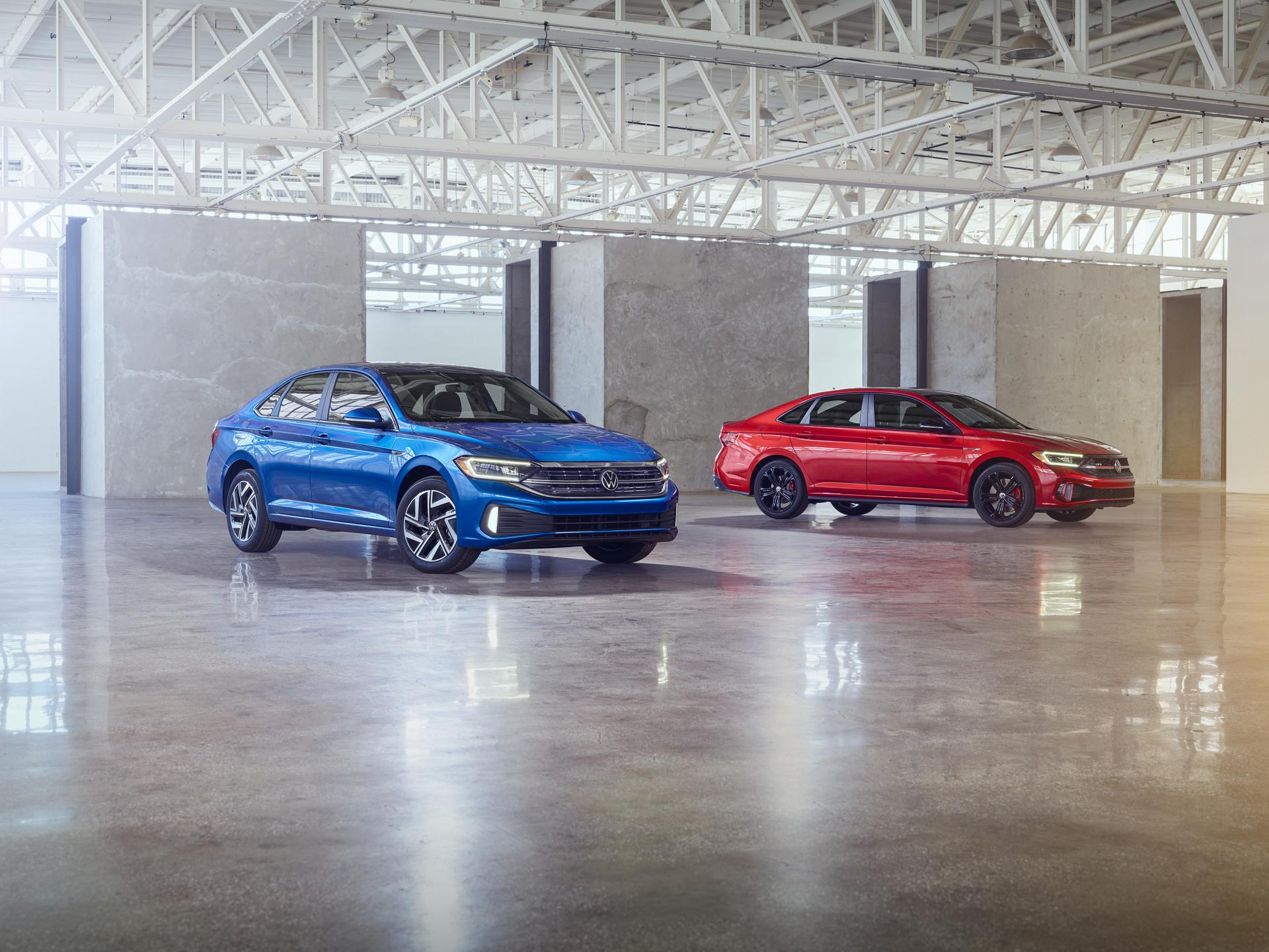 2022 Volkswagen Jetta and 2022 Volkswagen Jetta GLI Front Three-Quarter Wallpapers (9)