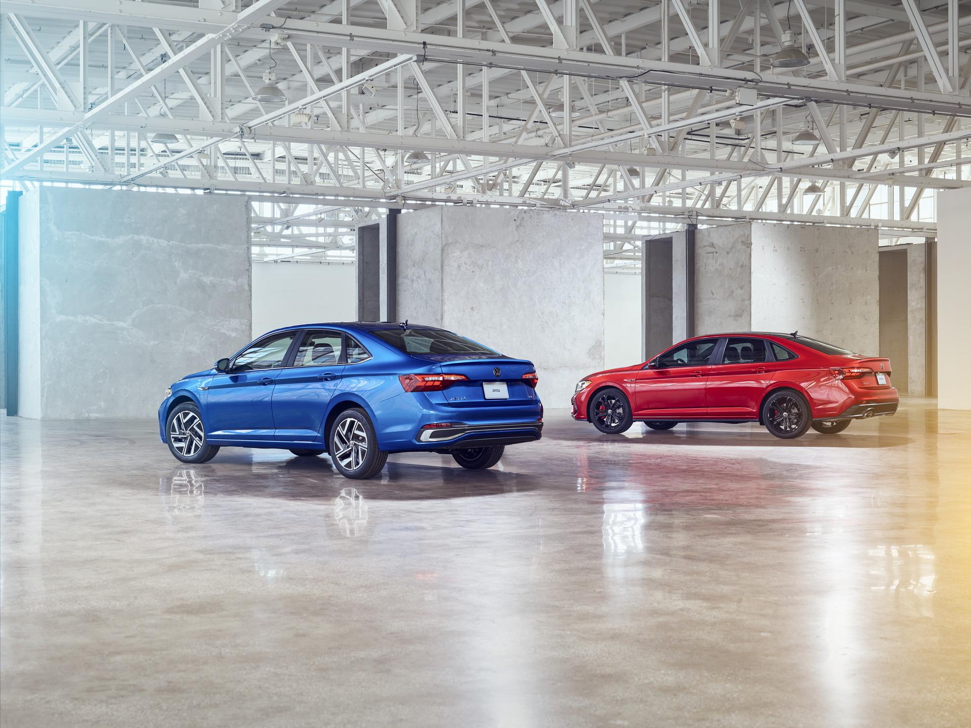 2022 Volkswagen Jetta and 2022 Volkswagen Jetta GLI Rear Three-Quarter Wallpapers (10)