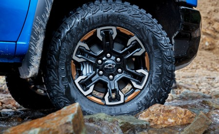 2022 Chevrolet Silverado ZR2 Wheel Wallpapers 450x275 (12)