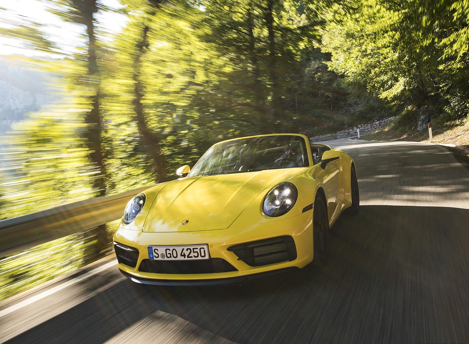 2022 Porsche 911 Carrera GTS Cabriolet (Color: Racing Yellow) Front Wallpapers (5)