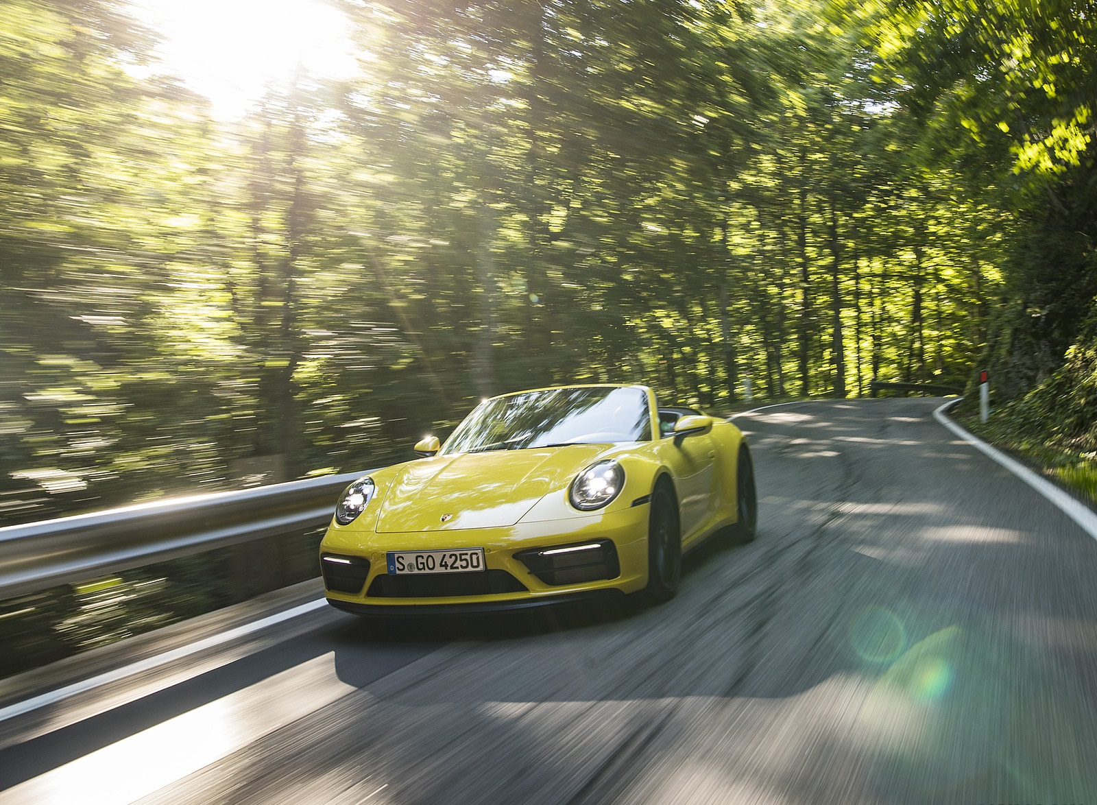 2022 Porsche 911 Carrera GTS Cabriolet (Color: Racing Yellow) Front Wallpapers (6)