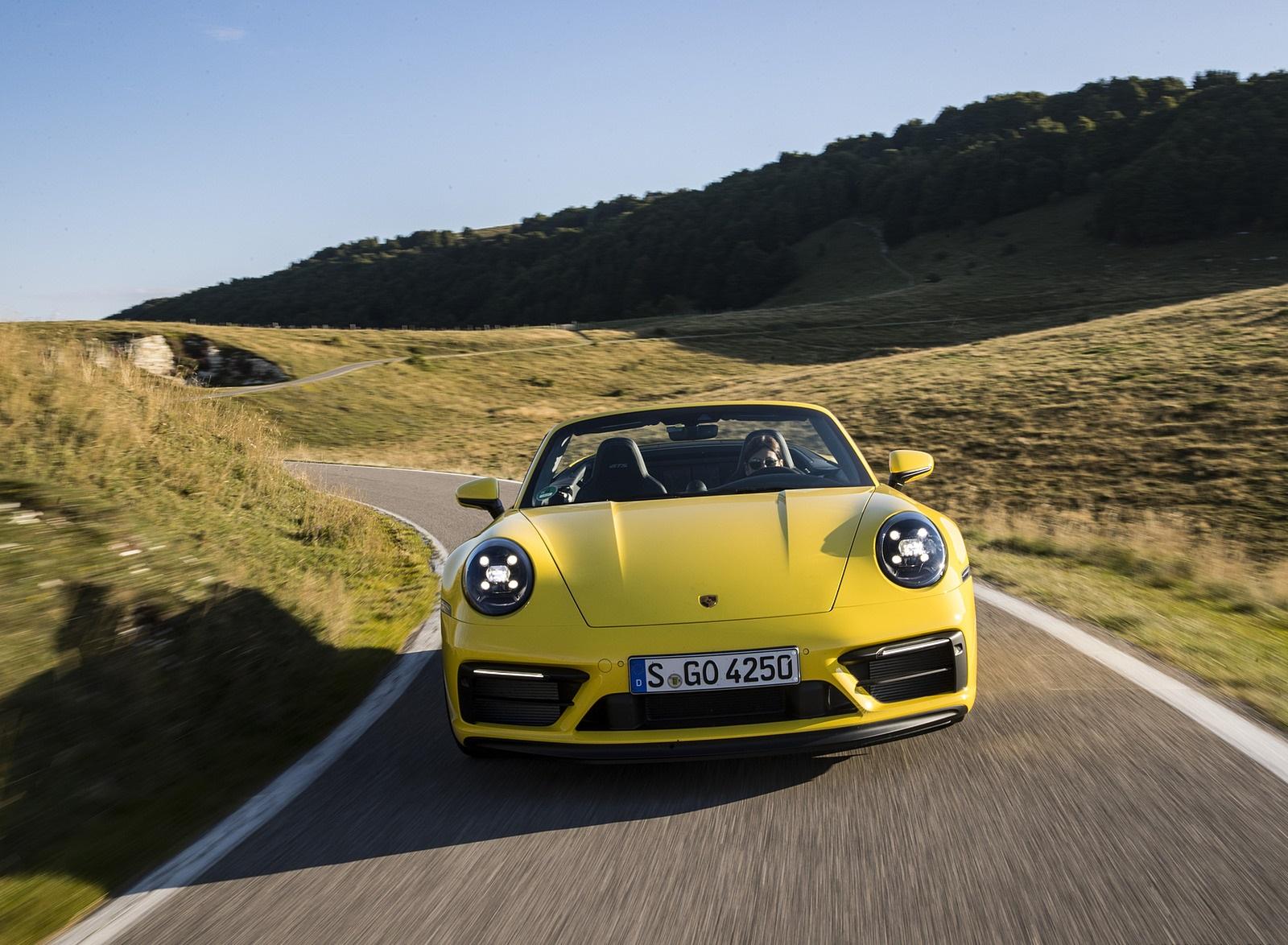 2022 Porsche 911 Carrera GTS Cabriolet (Color: Racing Yellow) Front Wallpapers (2)